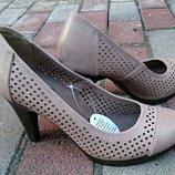 Туфли женские John Baner