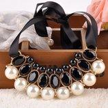 Ожерелья на ленте с жемчужинами