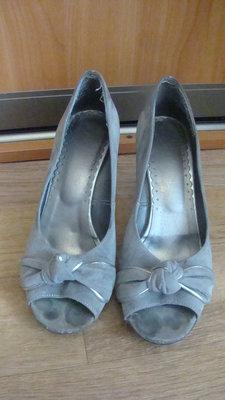 But серые замшевые босоножки туфли сабо размер 39