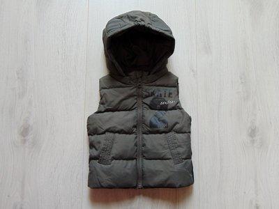 Шикарная жилетка для мальчика. Benetton. Размер 9-12 месяцев.