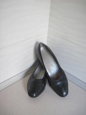 Кожаные Туфельки ALEXANDRIA. 5.1/2. Стелька-25.5 см.
